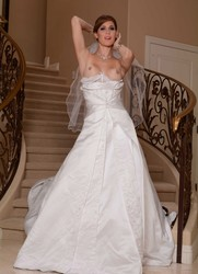 Beauties In Wedding Dresses In The Form Of NUDE, Excellent Selection Is Not A Sin To Look.